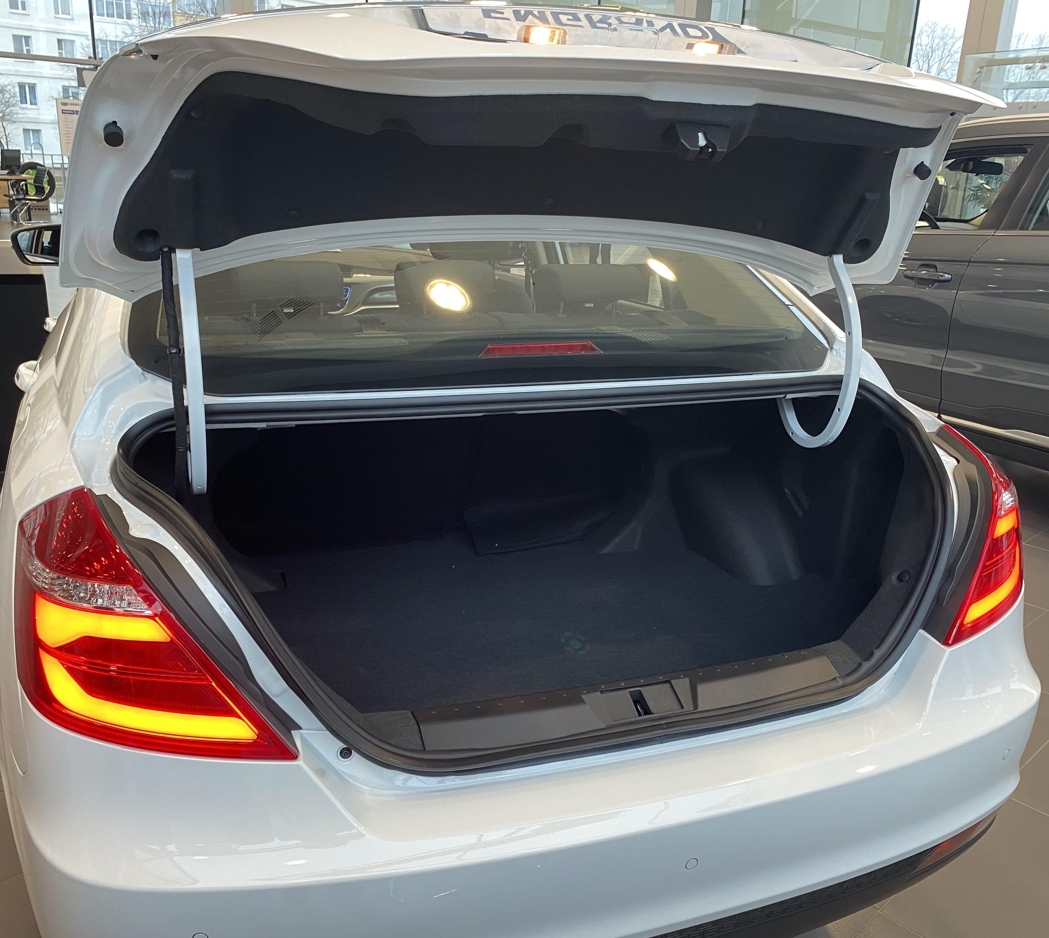 Багажник автомобиля Geely Emgrand 7